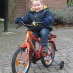Alex fietsend