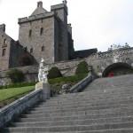 vanuit de gardens naar het kasteel