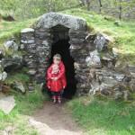 voor de grot