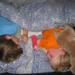 samen in één bed
